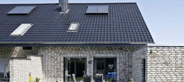 ceramiczna dachówka czarna