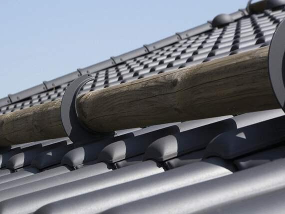 bale drewniane jako ochrona przeciwśniegowa