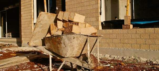 budowa domu stawianie ścian (1)